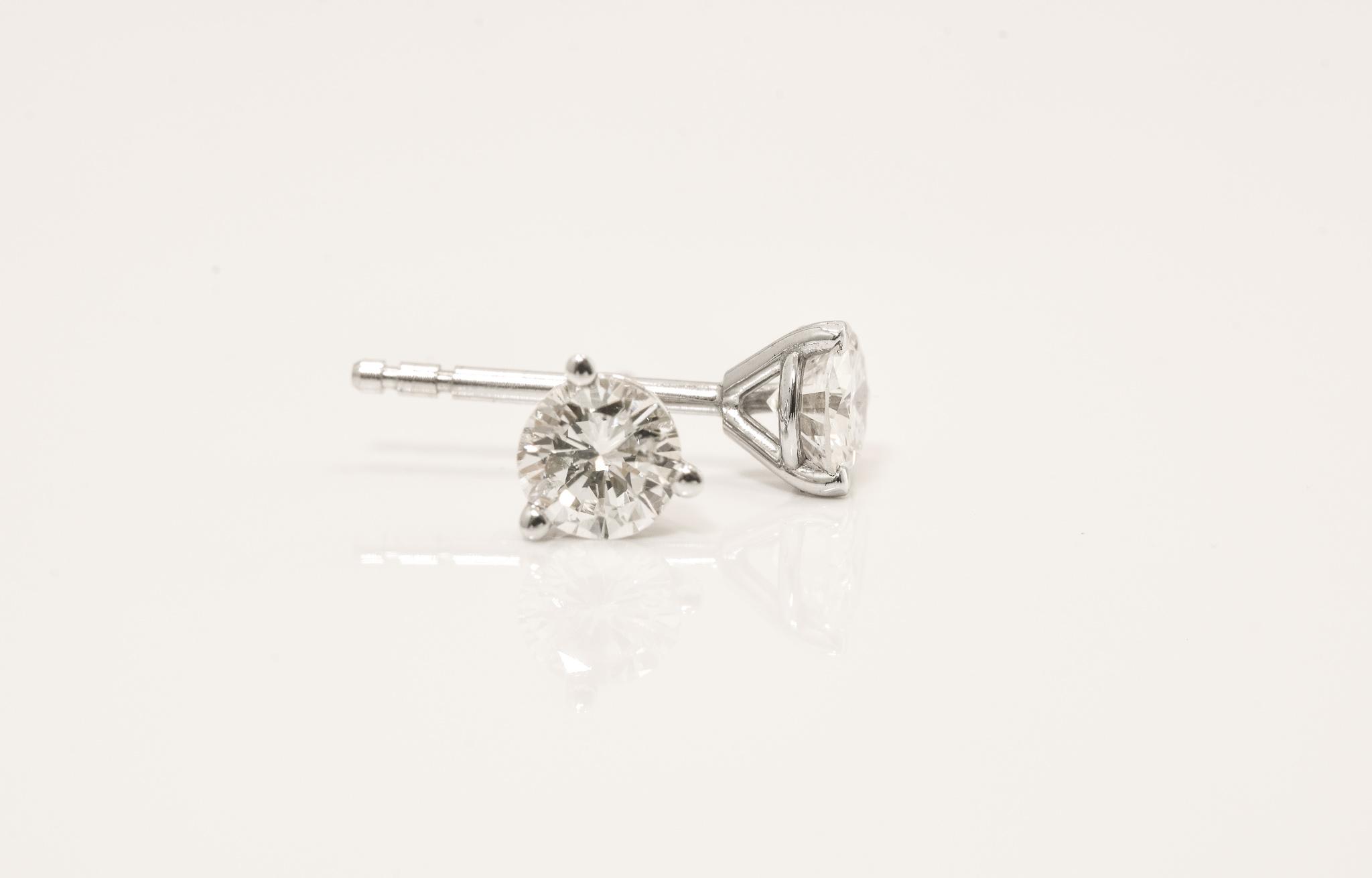 14 kt White Gold Diamond Stud Earrings.  .50 ct. tdwt.  SI1-SI2, H-I